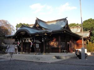 1280px-姉埼神社_拝殿