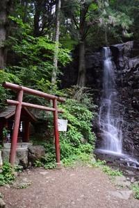 母ノ白滝と母の白滝神社