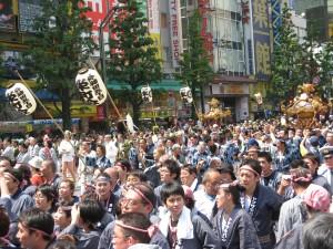 Kanda_Matsuri_2009-1_in_Akihabara