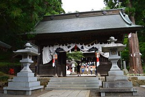 河口浅間神社の随身門
