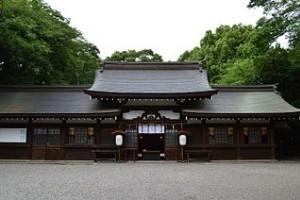 Takakuramusubimiko-jinja_haiden-2